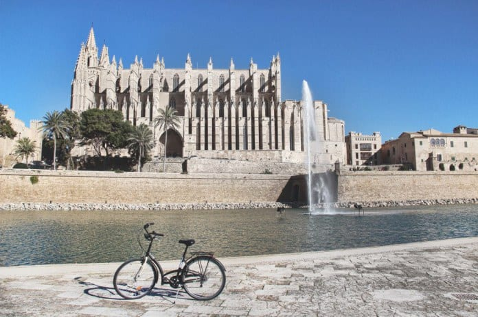 Cathedral. Guided Tour in Palma de Mallorca call&ride