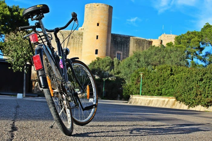 Bellver Castle. Guided Tours in Palma de Mallorca call&ride